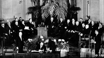 Aπό την ίδρυση του ΝΑΤΟ στην Ουάσιγκτον το 1949