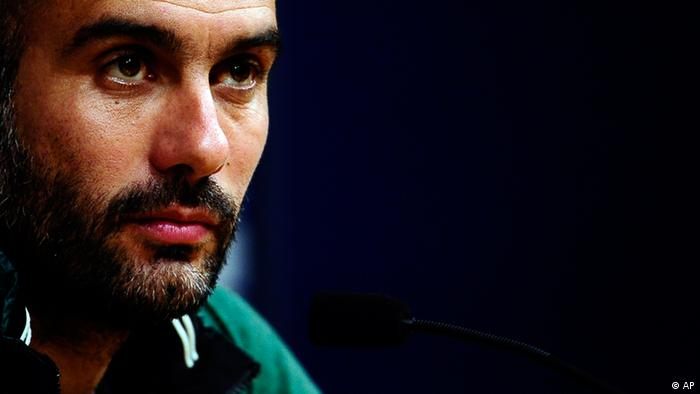 FC Barcelona's coach Pep Guardiola attends a press conference at the Camp Nou stadium in Barcelona, Spain, Friday, April 20, 2012. FC Barcelona will play against Real Madrid in a Spanish La Liga soccer match next Saturday. (Foto:Manu Fernandez/AP/dapd)