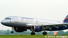 Ein Passagierflugzeug der russischen Fluggesellschaft Aeroflot, aufgenommen bei der Landung auf den Flughafen Berlin-Schönefeld am 09.06.2010. Foto: Patrick Pleul