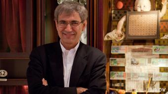 Αντίθετος στη μετατροπή ο νομπελίστας Ορχάν Παμούκ