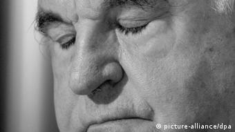 Ο Χέλμουτ Κολ αναγκάστηκε να παραιτηθεί και από την επίτιμη προεδρία των Χριστιανοδημοκρατών