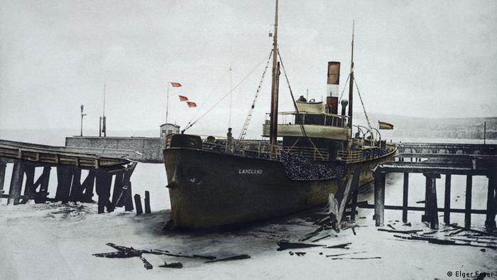 Carcaças de navio como símbolo da passagem do tempo