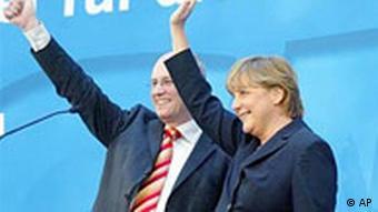 Wahl NRW: CDU feiert Volker Kauder und Angela Merkel