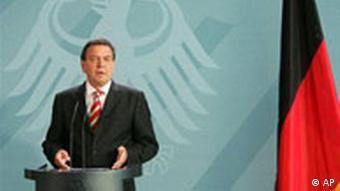 Bundeskanzler Schröder bestätigt die Ankündigung Neuwahl Herbst 2005