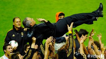 Fußball Real Madrid Meistertitel Trainer Jose Mourinho