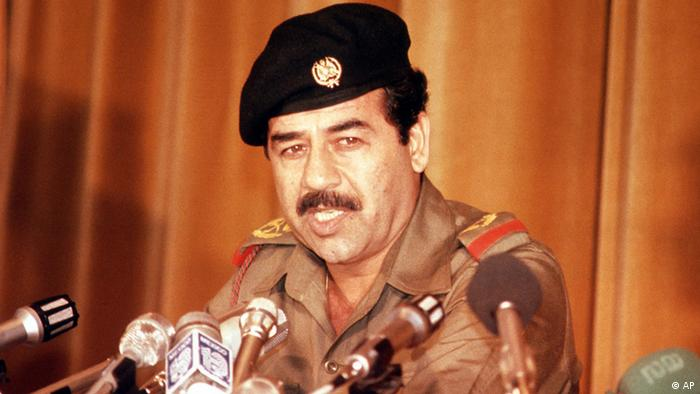 Pemimpin Irak Saddam Hussein, tahun 1980