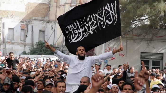 Radikal-islamistische Demonstranten in Tunis protestieren gegen Film Persepolis