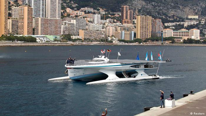 Die MS Turanor PlanetSolar bei der Ankunft in Monaco (Foto: REUTERS)