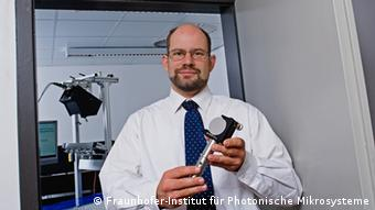 Dr. Heinrich Grüger of the Fraunhofer Institute for Photonic Microsystems