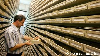 El archivo está compuesto por 50 millones de fichas.
