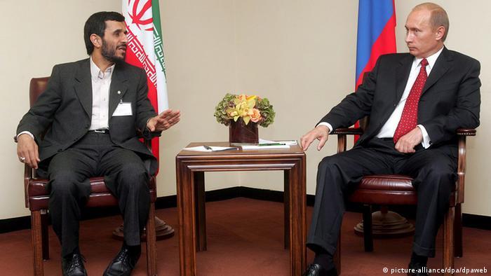 مکالمهی تلفنی پوتین و احمدی نژاد در روسیه اعتراض مخالفین پوتین را برانگیخت