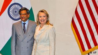 US Secretary of State Hillary Rodham Clinton, right, and Indian Foreign Minister SM Krishna
