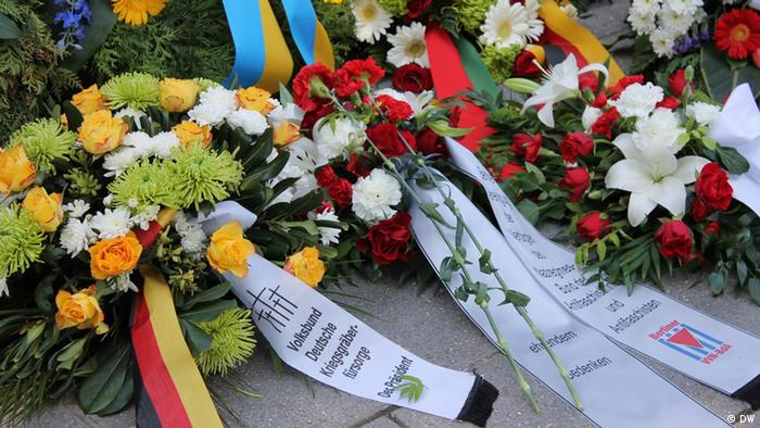 Wreathes in Berlin commemorate Polish soliders who died in WWII, photo from 2012