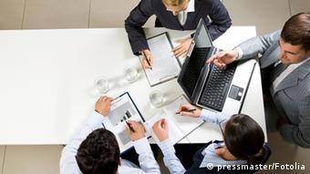 Менеджеры на рабочем заседании