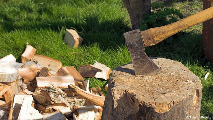 Image result for خرد کردن چوب