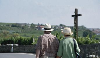 Wandern entlang der Deutschen Weinstrasse Pressebild
