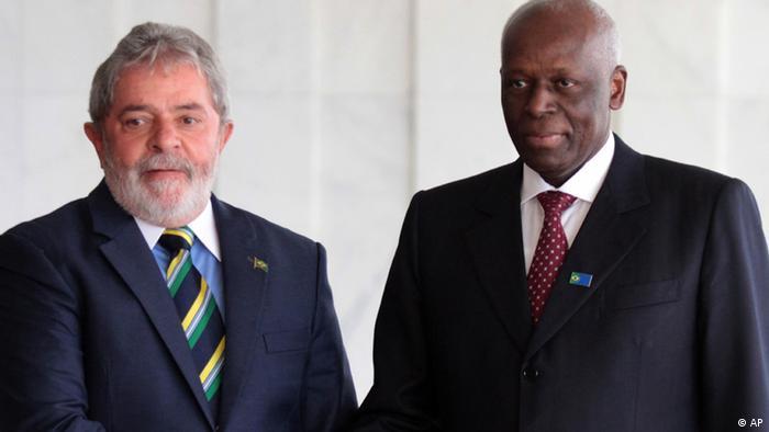Ex-Presidentes do Brasil, Lula da Silva, e de Angola, José Eduardo dos Santos, na visita do chefe de Estado ao Brasil, em 2010