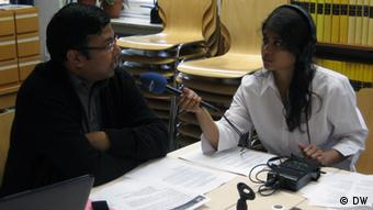 International Conference on Climate change effects and Energy development of Bangladesh (ICCEB) will take place in Bonn from May 18 - May 19. Afroja Sultana interviewed the seceretry, IICEB, Dr.Mazharul M. Islam (Rana) about the conference. Afroja Sultana hat die angehängten Bilder am 11.05.12 aufgenommen und stellt sie der DW zur Verfügung.