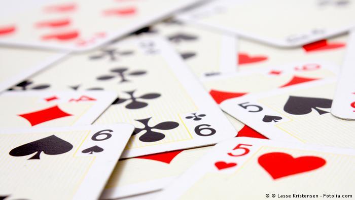 Playing cards © Lasse Kristensen #28602959