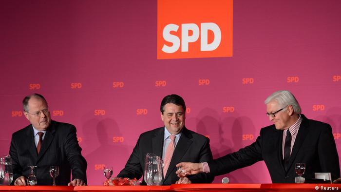 Former German Finance Minister Peer Steinbrueck (L-R), Social Democratic (SPD) leader Sigmar Gabriel and SPD faction leader Frank-Walter Steinmeier are pictured during an election rally in Elmshorn April 25, 2012. State elections in Schleswig-Holstein will be held on May 6, 2012. REUTERS/Fabian Bimmer (GERMANY - Tags: POLITICS ELECTIONS)