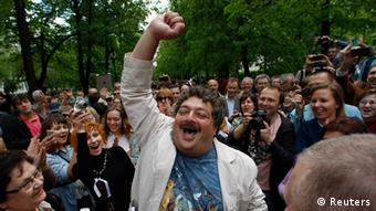 Dmitry Bykov in a crowd of protesters in 2012. (Photo: REUTERS/Maxim Shemetov)