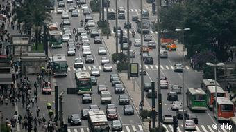 Traffic jam on Paulista Avenue, the most famous business mall of Sao Paulo, southeastern Brazil, on March 5, 2010, at the end of this Friday afternoon. Photo: NELSON ANTOINE/FOTO ARENA/AE (Agencia Estado via ddp images/AP Images)