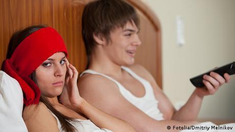 Symbolbild Fernsehen Fernbedienung Konflikt in der Familie (Fotolia/Dmitriy Melnikov)