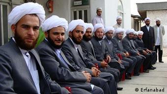 روحانیان سنی ترکمن در زمان فارغالتحصیلی در یکی از حوزههای علمییه اهل سنت در استان گلستان