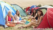 Symbolbild Zelten Camping Jugendliche