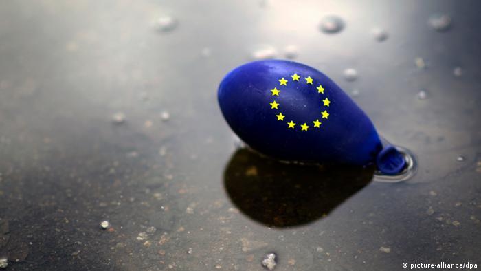 An empty balloon with the EU emblem
