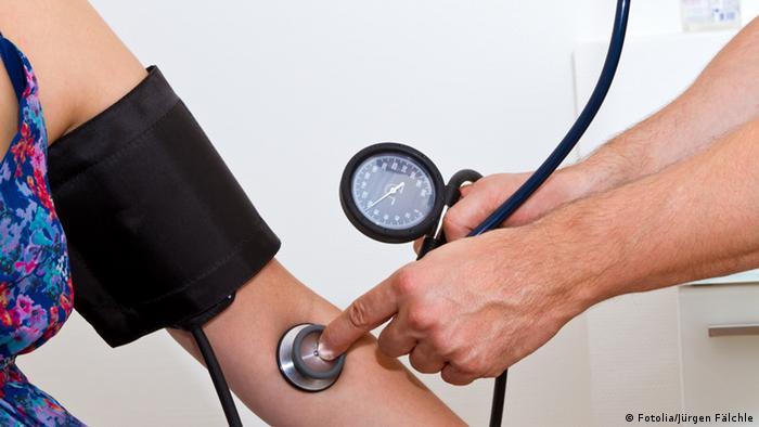 Blutdruckmessung mit Blutdruckmessgerät