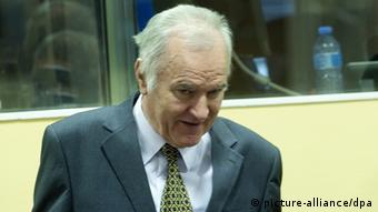 epa03220778 Former Bosnian Serb general Ratko Mladic in the courtroom during his trial at the International Criminal Tribunal for the former Yugoslavia (ICTY) in The Hague, the Netherlands, 16 May 2012. Mladic has been charged with 11 counts of genocide and other war crimes committed by the Serb army he commanded during the 1992-95 Bosnian war against Muslims and ethnic Croats. The most notable of the atrocities was the 1995 Srebrenica massacre of nearly 8,0000 Muslims and the 40-month siege of Sarajevo, in which more than 11,000 people were killed. EPA/TOUSSAINT KLUITERS / POOL +++(c) dpa - Bildfunk+++