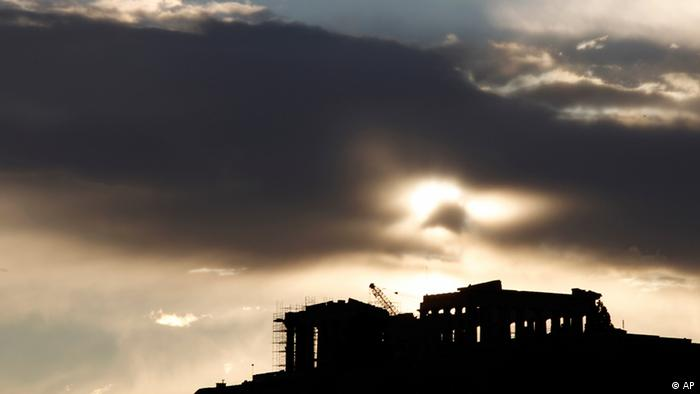 Тучи над Акрополем