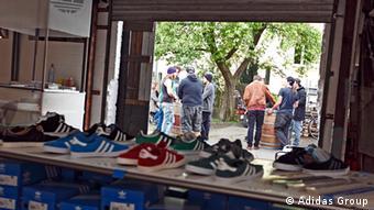Спортивная обувь в фирменном магазине Adidas