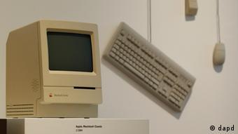 Apple Macintosh Classic Computer von 1984 (Foto: Philipp Guelland/dapd)