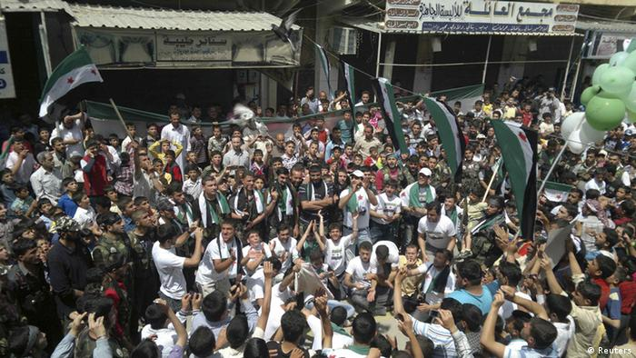 Syrien Opposition friedliche Proteste gegen Assad (Reuters)
