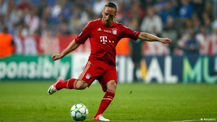 Bayern Munich's Franck Ribery attempts to score from an offside position during their Champions League final soccer match against Chelsea at the Allianz Arena in Munich May 19, 2012. REUTERS/Kai Pfaffenbach (GERMANY - Tags: SPORT SOCCER)