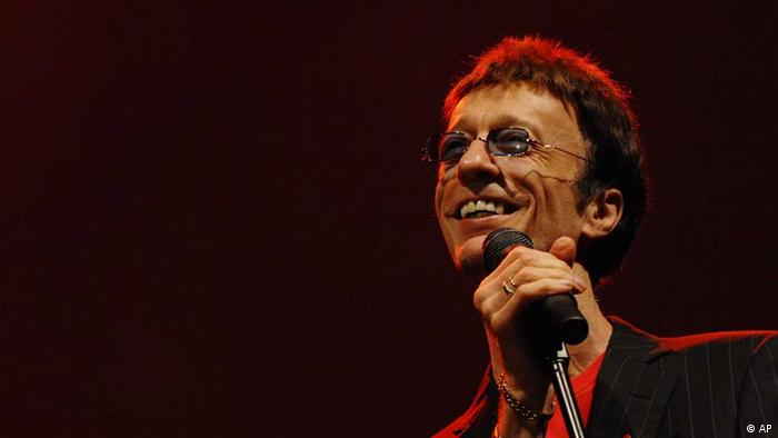 رابین گیب در کنسرتی در دبی در سال ۲۰۰۸