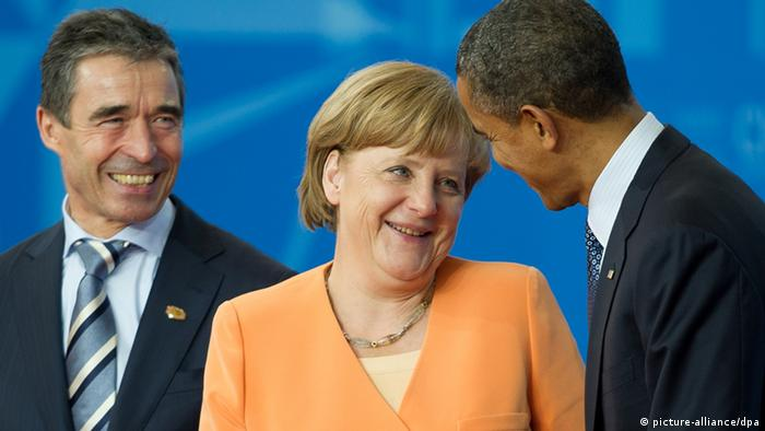 Nato general secretary Anders Fogh Rasmussen and Barack Obama with German chancellor Angela Merkel at the NATO summit in Chicago, Foto: Peer Grimm dpa +++(c) dpa - Bildfunk+++