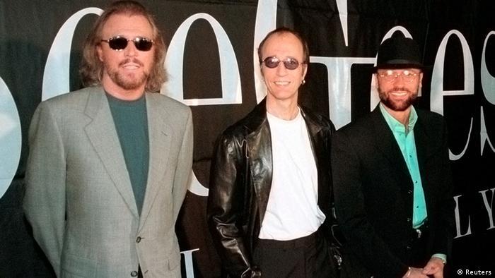 برادران گیب، موریس، رابین و باری (از راست) در سال ۱۹۹۸