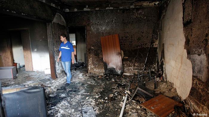 دفتر کار سوخته یکی از گروههای مخالف رژیم اسد در محله طریق الجدیده بیروت