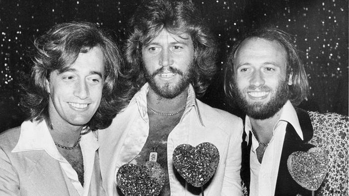 Robin Gibb, Barry Gibb und Maurice Gibb in Los Angeles (Foto: AP/ Lennox Mclendon)