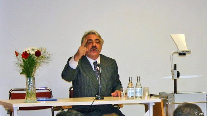 فریبرز رئیسدانا، اقتصاددان منتقد دولت ایران