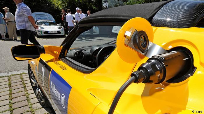 Deutschland Elektroauto bei der E-Miglia Tanken