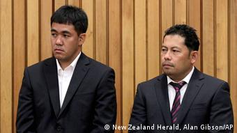 Navigation Officer Leonil Relon, left, and Captain Mauro Balomaga, both of the Philippines and officers of the container ship MV Rena, appear in the Tauranga District Court, in Tauranga, New Zealand, Friday, May 25, 2012, during sentencing for their part in the grounding of the ship on the Astrolabe Reef near Tauranga. Balomaga and Relon were each sentenced to seven months in jail for what authorities have called the country's worst maritime environmental disaster. (Foto:New Zealand Herald, Alan Gibson/AP/dapd) NEW ZEALAND OUT, AUSTRALIA OUT