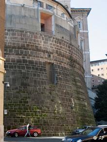 Vista del ala izquierda del edificio que alberga el Banco Vaticano