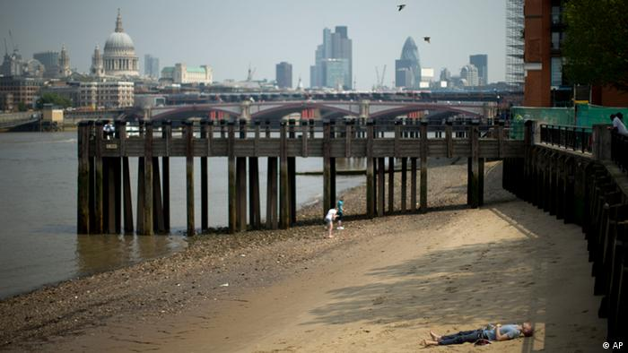 London: Heatwaves, flooding and a strategy