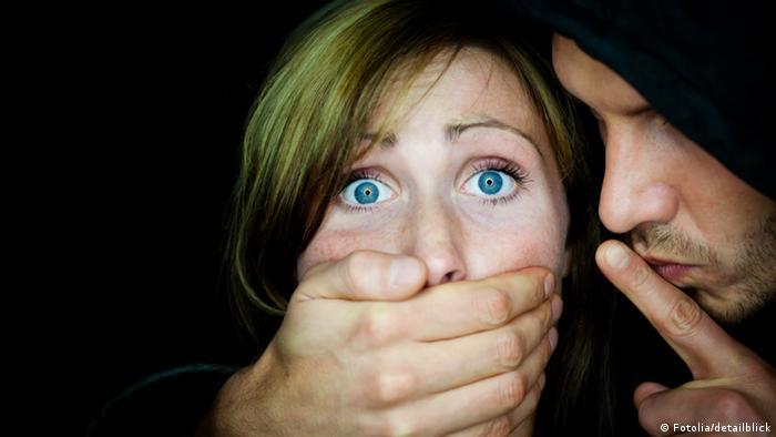 أول تجربة جنسية لـ3 ملايين امرأة أمريكية.. قسرية في سن مبكرة!