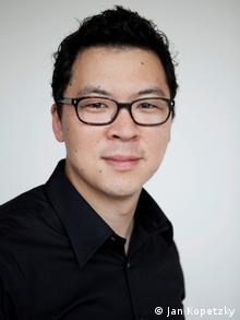 مارتین هیون، نویسنده کتاب راجع به زندگی کرهایها در آلمان