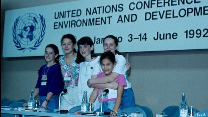 Die 12jährige Kanadierin Severn Cullis-Suzuki und andere Mitglieder der von ihr gegründeten Jugendgruppe ECO. Als Teenager reisten sie und andere Kinder zur UN Konferez in Rio, wo Severn eine vielbeachtete Rede hielt. Sie wurde bekannt als das Mädchen das die Welt für 5 Minuten zum Schweigen brachte. Cullis-Suzuki arbeitet im Umweltbereich und in den Medien. Copyright: Cullis-Suzuki Rio de Janeiro, 1992